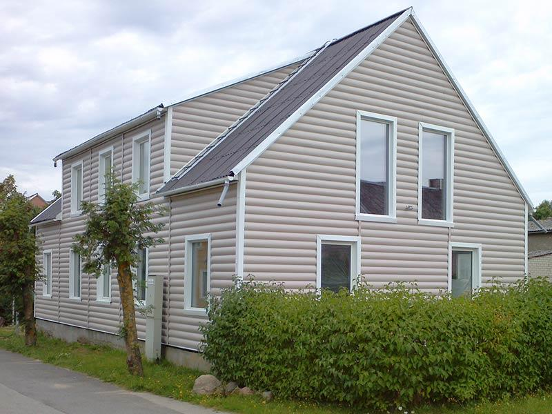 siding_block_house_peach